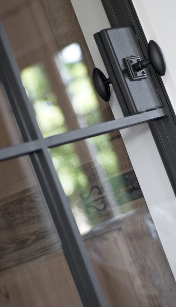 Des portes en fer forgé avec finition laque poudre